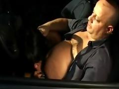 dark prostitute - oral-stimulation in the car