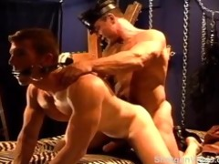 hot muscle daddy rides his hawt muscle bottom