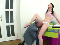 hardcore lesson with sexy babe